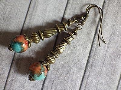 Boucles d'oreille pendantes en perles de jade teinté en marron, orange et bleu, et perles tube tibétaines