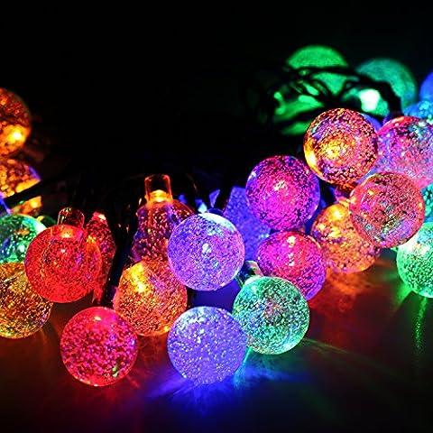 Cadena de Luces Solar Luminosa Exterior 30 LED de Bolas de Cristal para Fiesta Navidad Hogar o Exterior Jardín Árbol Camino de Multicolor Decoración Iluminación Luces
