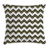 Kissenbezüge Chevron Throw Pillow Cushion Cover, Black Zig Zag Chevron Pattern with Inner Stars Parallel Striped Lines Art Print, Decorative Square Accent Pillow Case, 18 X 18 Inches, White Yellow