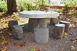 Wuona Objects Gartentisch aus javanesischem Fluss-Stein mit 8 Steinhockern