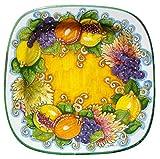 PIATTO con decorazione FRUTTA MISTA su fondo Giallo, quadrato cm 41 di lato, delle Ceramiche Artistiche Saltarelli di Montelupo Fiorentino.