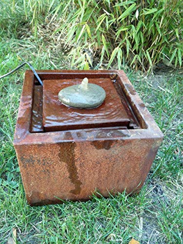 Zen Man Cortenstahl Garten Brunnen 30 * 30 * 20cm Edelrost Garten Wasserspiele mit Stein ca. 1,7mm Corten Stahl Handarbeit 101625