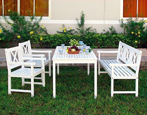 Sitzgruppe aus Eukalyptusholz