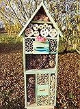 XXL INSEKTENHOTEL MIT TRÄNKE SDV-HOST-OS und FUTTERPLATZ, Futterstelle, moosgrün grün natur Nisthotel Hoch Schmetterlinge Bienen Marienkäfer als Ergänzung zum Meisen Nisthotel Hoch Meisenkasten oder zum Vogelhaus Vogelfutterhaus Futterstation für Vögel Insektenhäuschen - XXL INSEKTENHOTELs