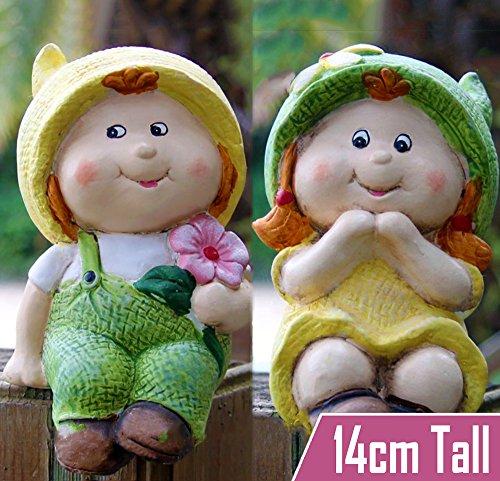 garden-gnome-baby-boy-and-girl-gnome-sitting-garden-home-ornament-cute-feature-ideal-gift-idea
