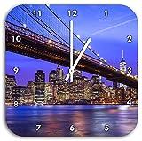 New York Brooklyn Bridge, Wanduhr Quadratisch Durchmesser 28cm mit weißen spitzen Zeigern und Ziffernblatt, Dekoartikel, Designuhr, Aluverbund sehr schön für Wohnzimmer, Kinderzimmer, Arbeitszimmer