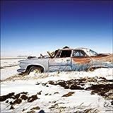 artissimo, Glasbild, 50x50cm, AG8072A, Lost in desert III, rostiger Oldtimer, vintage Auto, Bild aus Glas, moderne Wanddekoration aus Glas, Wandbild Wohnzimmer modern