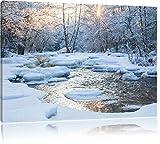 Bach in Winterlandschaft Format: 100x70 cm auf Leinwand, XXL riesige Bilder fertig gerahmt mit Keilrahmen, Kunstdruck auf Wandbild mit Rahmen, günstiger als Gemälde oder Ölbild, kein Poster oder Plakat
