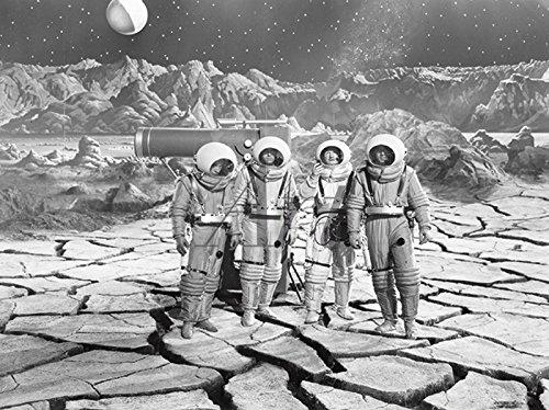 Artland Wandbilder selbstklebend aus Vliesstoff oder Vinyl-Folie Filmszene Endstation Mond, 1950 Film & TV Film Fotografie Schwarz/Weiß C9YD (Astronaut Kostüm Bilder)