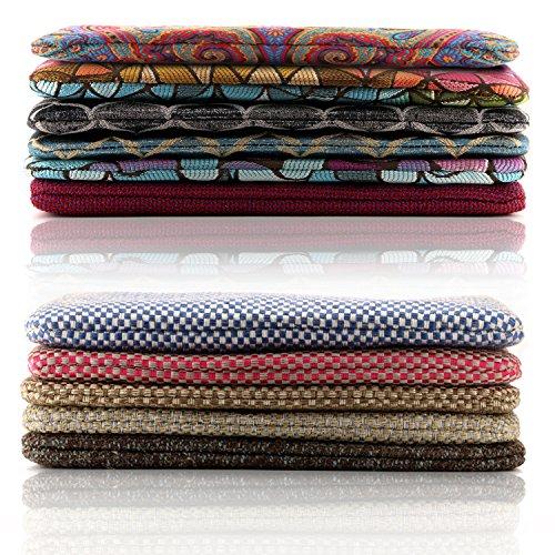 Knitted Clutch with Wristlet Strap, Zippered Closure - Unisex Blauer Schachbrett Stich