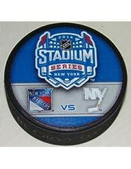 2014estadio serie duelo NHL recuerdo Puck–Rangers vs. Los Isleños