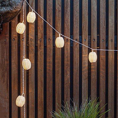 Catena di Luci per Esterni ad Energia Solare con 10 LED Bianco Caldo e Lanterne di Vimini di Lights4fun