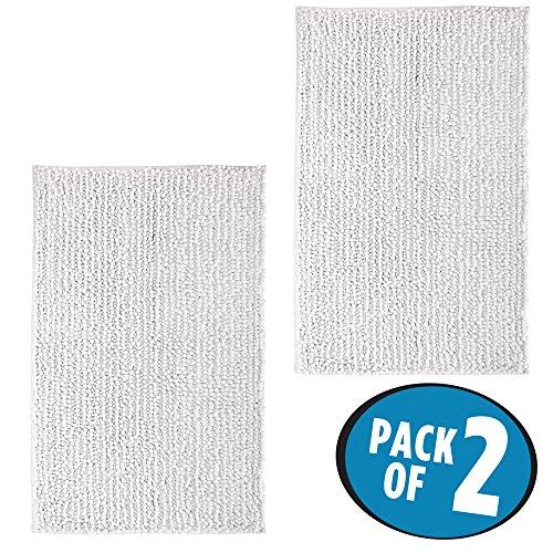 mDesign - pflegeleichtes Badteppich Set - 2er Set Mikrofaser Badläufer für Bad oder Küche - schnelltrocknender Duschvorleger - Farbe: Weiß