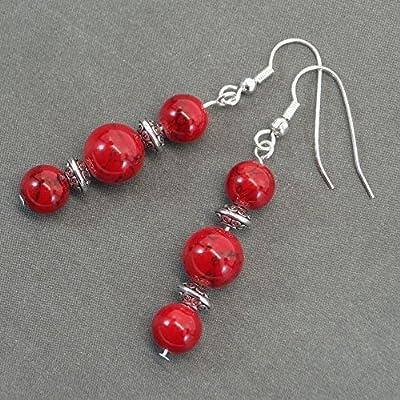 Boucles d'oreilles Thurcolas en perles de turquoise rouge reconstituée et perles tibétaines pendantes