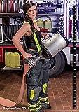Feuerwehrkalender 2018 (Wandkalender 2018 DIN A4 hoch): Heiße Frauen in Feuerwehr - Einsatzsituationen (Monatskalender, 14 Seiten ) (CALVENDO Menschen) [Kalender] [Apr 01, 2017] SnapArt, k.A. Vergleich