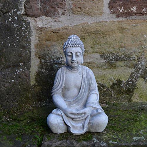 wunderschoener-grosser-buddha-aus-steinguss-frostfest-2