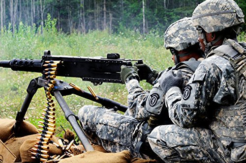 Stocktrek Images - Soldier engages Targets downrange on The M2 50 Caliber Machine Gun Kunstdruck (86,36 x 55,88 cm) -