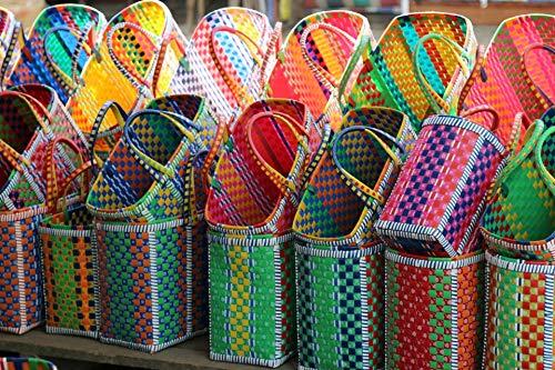 MOWGS Fahrradkorb Shopper Tasche Einkaufskorb Strandtasche Kunststoffgeflecht Fairer Handel Klein Mehrfarbig