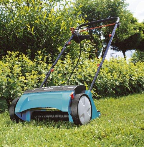 GARDENA Elektro-Rasenlüfter ES 500: Vertikutierer mit Arbeitsbreite 30 cm, Rasenfläche bis 600 m², Leistung 500 W, Verstellhebel für Arbeitstiefe, teilbares Gestänge, Räder mit Spezialprofil (4066-20) - 2