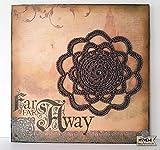 Cuadro crochet adorno de pared, Wall Art Mandala creativo, lámina decorativa sobre corcho con mandala marrón. Pieza única. Listo para enviar.