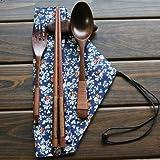 Ecloud Shop® Naturelles en bois Ensembles Vaisselle de 5 pièces (1 cuillère, 1 Baguettes, 1 fourchette, 1 Porte Baguettes, 1 table Sac floral bleu)