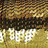 90 Meter langes, farbiges Paillettenband auf einer Rolle aufgewickelt - 6 mm breites Bortenband - Glänzende Paillettenbänder für Bastelprojekte, Tanzbekleidungen uvm. (Antikgold)