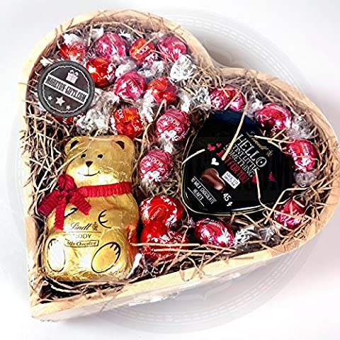 Lindt Chocolate Lovers Heart Shaped Gift – Lindt Strawberries &