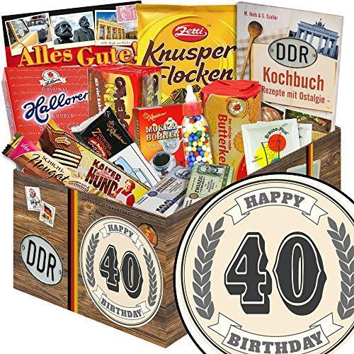 40. Geburtstag | Ossi Produkte | DDR Süßigkeitenbox mit Trabi Puffreis Schokolade, Butterkeks Original Wittenberger, Liebesperlen und vielem mehr