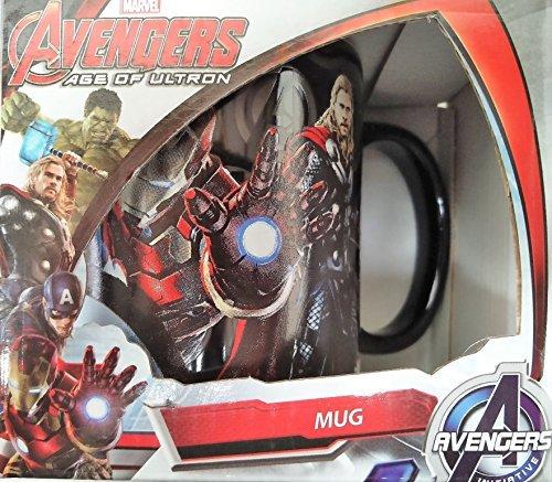 """Tazza dal tema """"Marvel Avengers: Age of Ultron"""", motivo con i personaggi di Hulk, Capitan America, Iron Man, Thor, in confezione regalo"""