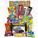 Großer Amerikanische Süßigkeiten Geschenkkorb | Süßigkeiten aus den USA | Auswahl beinhaltet Hersheys, Reeses, Jelly Belly, Skittles, Jolly Rancher | 26 Produkte in einer Naturweidenkorb