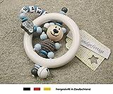 Baby Greifling Rassel Beißring mit Namen | individuelles Holz Lernspielzeug als Geschenk zur Geburt & Taufe | Jungen Motiv Bär und Auto in grau