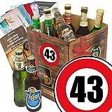 Geburtstagsgeschenke für Männer zum 43. - Geschenkbox mit Bier mit Bieren der Welt + gratis Bierbuch + Geschenk Karten + Bier - Bewertungsbogen Bierset + Bier Geschenk + Personalisierte Geschenk-Box - 43 Geschenkidee Bier Geschenk + Besser als Bier selber machen oder selbst brauen + Geschenk für Mann zum 43. Geburtstagsgeschenk für Freund Geschenkidee mit Bier Bier zum 43. Geburtstag Geschenk für den Freund 43 Präsentkorb 43. Geburtstag Geschenke für Männer zum 43. Geburtstag