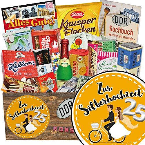 Zur Silberhochzeit   Süßigkeiten Geschenk   Geschenkideen   Zur Silberhochzeit   Geschenkset DDR   Geschenk für 25 jährigen hochzeitstag   mit Trabi Puffreis Schokolade, Zetti und mehr   INKL DDR Kochbuch