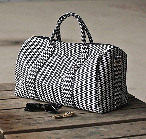 BAOSHA HB-23 Frauen Damen Kunstleder Reisetasche Handgepäck Weekender Travel Duffel Bag Übernachtung Wochenende Tasche Fitness Handtasche mit Gestreift (Schwarz Streifen) Wellenmuster