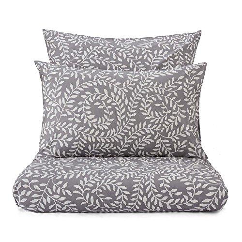 """URBANARA Bettwäsche """"Aneto"""" – 100% reine Baumwolle, Hellgrau/Weiß mit botanischem Muster – Bettbezug 155x220 cm + Kissenbezug 80x80 cm – 2-teiliges Set Perkal-Bettwäsche"""