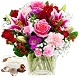 Eden4flowers POSTAL-99-(GL3) Exclusive Bouquets Symphony Bouquet and Chocolates - Pink/Red/White