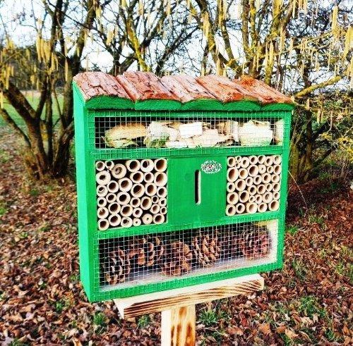 XXL Hotel per insetti, con holzrinde-naturdach, fdv-os Marien Beetle Giardino Verde Verde erba verde per completare Titmice a casetta nido scatole Insetti cibo Uccelli di birdhouse Cinciallegra Box o casa per uccelli Insetti Cottage Insetti, Hotel, Hotel per insetti per controllo ecologico organico naturale di afidi adatto per, marienkäferhaus-ladybird-marienkäferkasten-schmetterlingshaus farfalla, decorazione da giardino