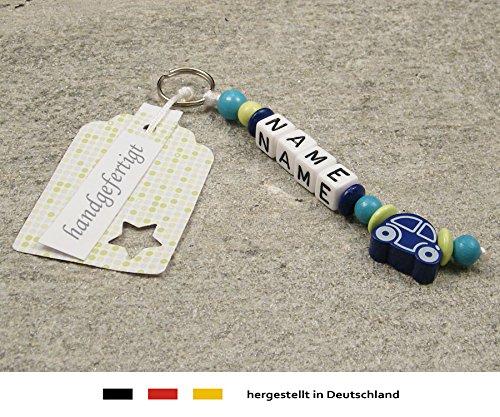 NAMENSANHÄNGER – Anhänger mit Namen | Baby Kinder Schlüsselanhänger für Wickeltasche, Kindergartentasche, Schultasche oder Rucksack mit Schlüsselring | Jungen Motiv Auto in dunkelblau