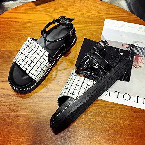 XY&GKSandales femmes Les étudiants All-Match mot simple boucle sandales et chaussures d'été Muffin femelle White