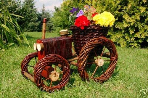 traktor aus korbgeflecht weide pflanzhilfe rattan. Black Bedroom Furniture Sets. Home Design Ideas