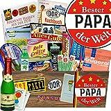 """Papas Geschenkbox Ostprodukte """"DDR SPEZIALITÄTEN BOX"""" INKL. Buch """"Bekannte Marken aus der DDR"""" Geschenkverpackung mit Ostmotiven. DAS Ostprodukte Geschenk mit bekannten DDR Produkten wie Halberstädter Schmalzfleisch + rote Grütze Himbeer + Pfeffi. Für Ostalgiker ein tolles Geschenk +++ Ostpaket DDR Geschenkbox DDR Produkt DDR Box Waren DDR Geschenk DDR Ostalgie"""