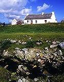 The Irish Image Collection / Design Pics – Cottage On Achill Island County Mayo Republic Of Ireland Photo Print (30,48 x 40,64 cm)