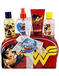 Super Hero Girls EMD DC Coffret Cadeau Enfant avec Eau de Toilette 90 ml/Accessoires de Bain 5 Pièces