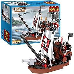 Barco pirata con figuras.
