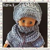Set für eine Puppe: Basecap (Umfang: 30 cm) und Dreiecktuch im Farben- Mix von Weißblau, Hellblau und hellem Grau im Farbverlauf, gestrickt, gehäkelt und geflochten