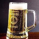 Regalo para padres personalizable: jarra de cerveza grabada con su nombre, el tuyo/vuestro y una medalla para 'El mejor padre del mundo'.