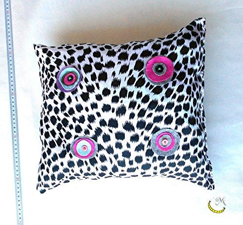 cuscino-decorativo-di-materiali-riclati