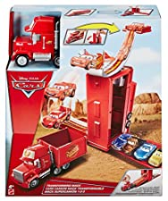 Disney DVF39 Cars Transforming Mack Playset