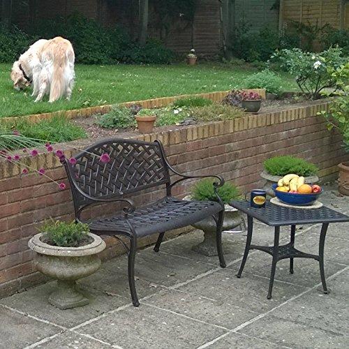 Lazy Susan – JASMINE Gartenbank und SANDRA Quadratischer Kaffeetisch – Gartenmöbel Set aus Metall, Antik Bronze (Grünes Kissen) - 5