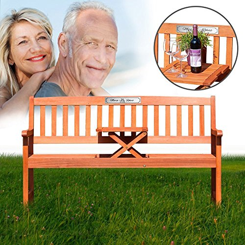 Gartenbank mit Tisch aus FSC-zertifiziertem Eukalyptus Holz – Dreisitzer als individuelle Geschenkidee zur Silberhochzeit – Personalisiert mit Namen und Datum – 25 Jahre – Sitzbank mit silberner Plakette